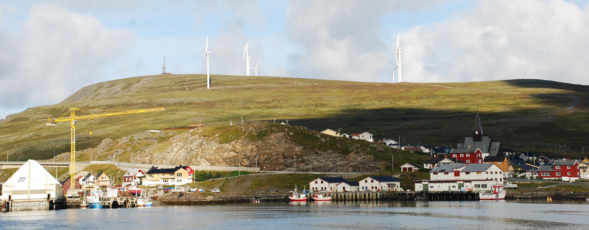 Kystsamfunn med vindmøller